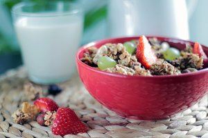 Müsli with strawberries