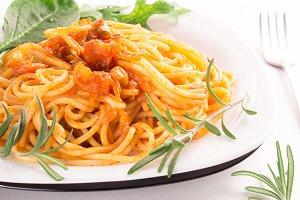 Italian spaghetti with herbs