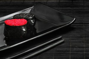 Sushi: Black tobiko, Red tobiko