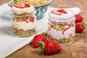 Strawberry oatmeal desert