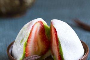 Daifuku with strawberry and greentea