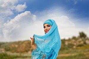 Girl dancing Sa'idi dance