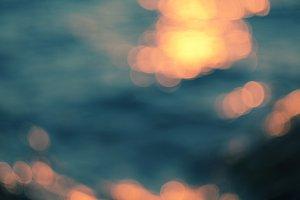 sea sunlights.