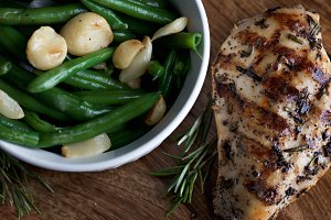 Chicken and Green Beans with Garlic