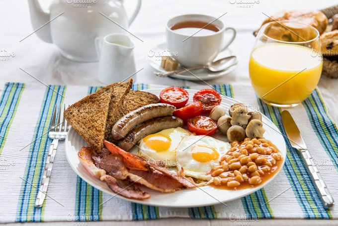 Food And Drink: Traditional Full English Breakfast