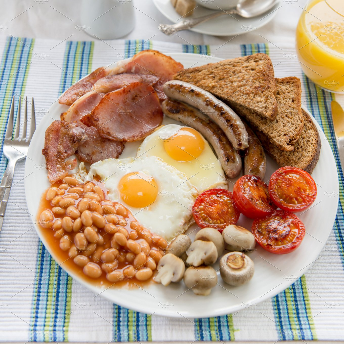traditional full english breakfast food drink photos
