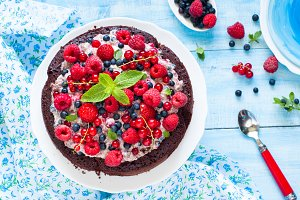 Chocolate cake with fresh berries