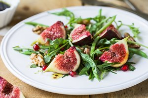 Fig with Pomegranate salad