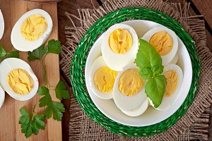 Boiled eggs in a bowl