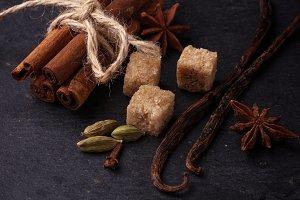 Cinnamon, anise, cardamom, vanilla