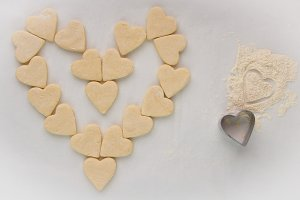 Dough and cookie hearts