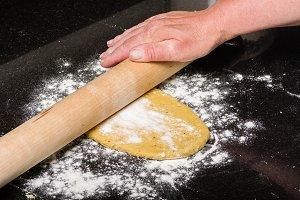 Forming pasta dough