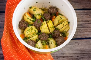 stewed potatoes with meatballs in the crock-pot