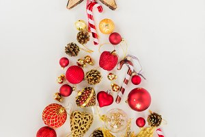 Christmas tree in red and gold