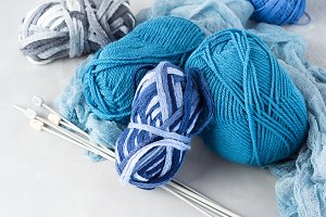 Winter cold color woolen yarn with knitting needles