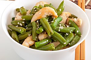 Salad of green beans with chicken