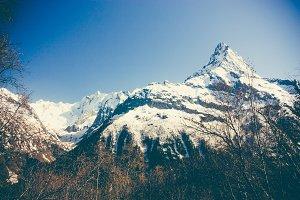 Peaks mountains.