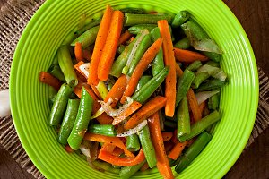 Sauteed green beans with carrots