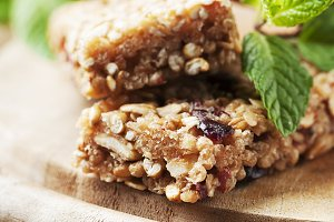 Healthy cereal bars with berry