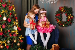 Mother gave gifts to two daughters