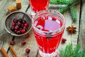 Cranberry drink for winter