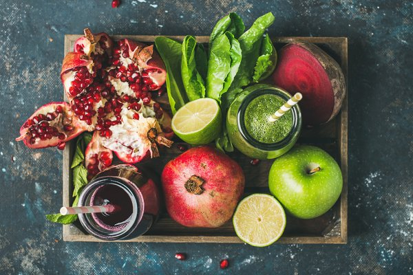 Fresh juices or smoothies with frui…