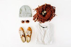 Feminine clothes arrangement