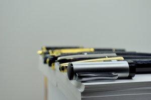 pen cap and fountain pen
