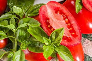 Paste tomatoes with basil sliced