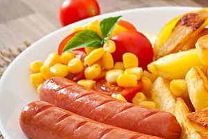 Sausage with fried potatoes