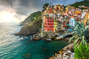 Riomaggiore village and sunset