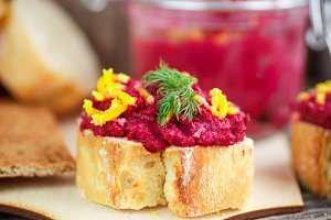 Bruschetta with beetroot