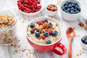 Oatmeal porridge for healthy life