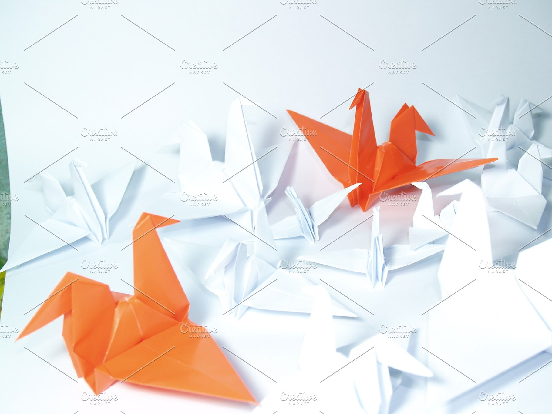 Origami paper crane Royalty Free Vector Image - VectorStock | 1366x1820