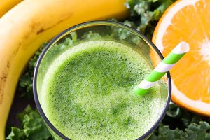 Smoothie with kale and fruit