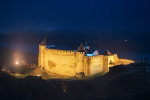 Khotyn fortress night web