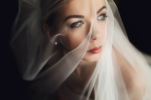 Veil coveres a perfect face