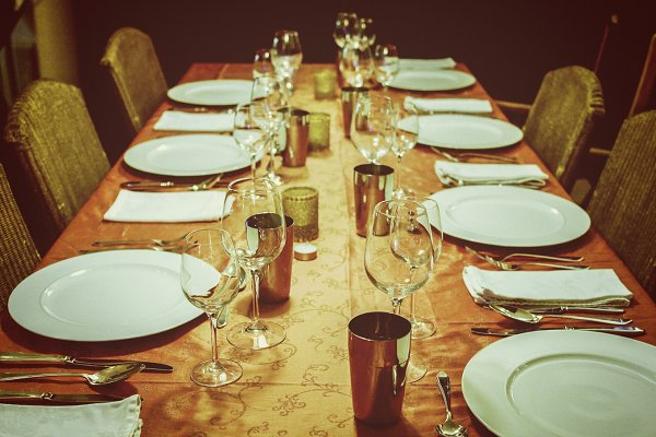 Table setting for group