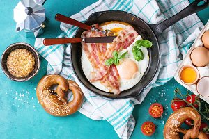 Breakfast with fried eggs and bacon