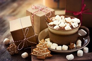 Cacao with marshmallows & cookies