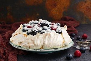 Delicious Pavlova cake