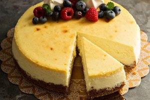 New York cheesecake on a cake stand