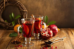 Mulled wine with pomegranate and orange