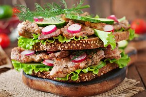 Sandwich with meat, vegetables