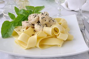 Pappardelle with chicken fillet in