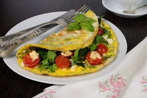 Omelet with spinach, basi