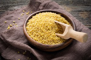 Bulgur, cracked wheat grains