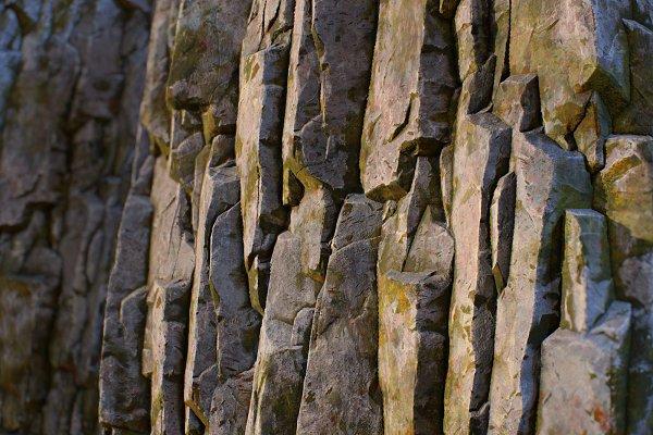3D Textures: Sun Studio - Mossy rock face tileable texture set