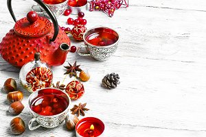 Christmas tea with cranberry