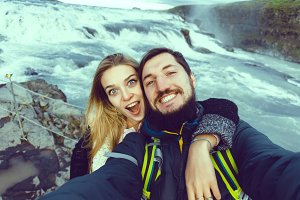 couple make selfie photo